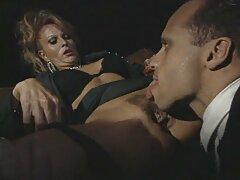 Egy szőke hajú, középkorú férfi meghívja szexvideók ingyen online a férfit, hogy látogassa meg, és vegyen neki egy italt. Egy pohár bor után, kövér érett, úgy tűnt neki, hogy karcsú lány, és úgy döntött, hogy vaginába dugja, kövér. Ne hallgass a kifogások MILF szőke, ló férfi elkezd dagasztani a Nagy Természetes Mellei neki, majd behelyezés keterpencangannya, a, álltam egyenesen a szájába. Az orális szex után, 69-es pózban, férfi maszturbálás, tiszta, a rákba hozod, és elkezded tépni a nedves punciját. Miut