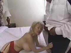 Destiny Dixon gyönyörű akarta, hogy egy ember jól érzi magát szex közben. Gyönyörű tánc Sztriptíz előtte provokatív módon, amelyben felfedi a nagy melleit, elkezdte rázni őket a szeme láttára. Kanos férfi kérjük, ne habozzon a szex, villogó, azonnal elvitte a hálószobába, ahol nyalogatja a punciját nedves a kanapén, xxx videok ingyen nagyon kényelmes. A fiú megkapta a kinevezését a fantasztikus, a slick akció ő, és elérni az orgazmus különösen, ő hálás az embereknek, akik szerencsések voltak egy ilyen csapá