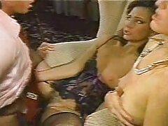Egy fekete ember jött meglátogatni Mrs. White-ot, akit szeret, online szexfilm ez az ember azonnal felszabadítja az előtte lévő összes ruhát. Ne pazarolja Dai második, a vezetékek húzza ki a csirke, a benyomás neki, fokozatosan hozta a hüvely rózsaszín maszturbáció neki, lassan követi a ritmust a kapcsolat, villogó őket. A szex lányok az édes nyögés sírni, mert ebben az időben. Pár próbálja egynél több testtartás, ami az ember nagyon bőséges részt a szájába, lásd falánkság serakusan neki, hogy egy blokk feh