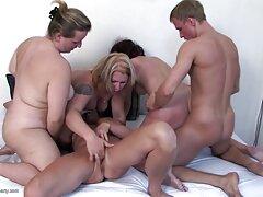 Egy lány, barna hajú, szexi, szét a lábát, majd cum a két lyuk óvatosan a második sexfilmek ingyenes vibrátor erős ugyanabban az időben, figyelembe öröm a ügyes kezek, játékok Sima egy szex bolt.
